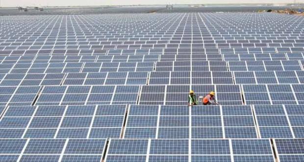 adani-group-to-set-up-650-mw-solar-power-plant-in-tamil-nadu-620x330