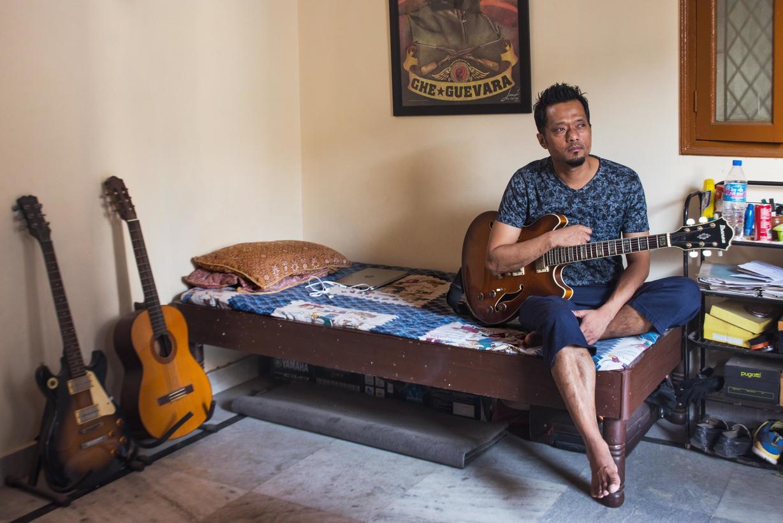 Sahadev Lama is a freelance guitarist from Kalimpong. He now lives in Safdarjung Enclave, New Delhi